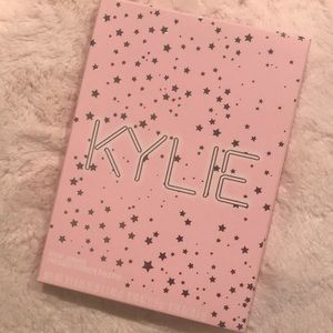 Kylie Jenner birthday collection palette